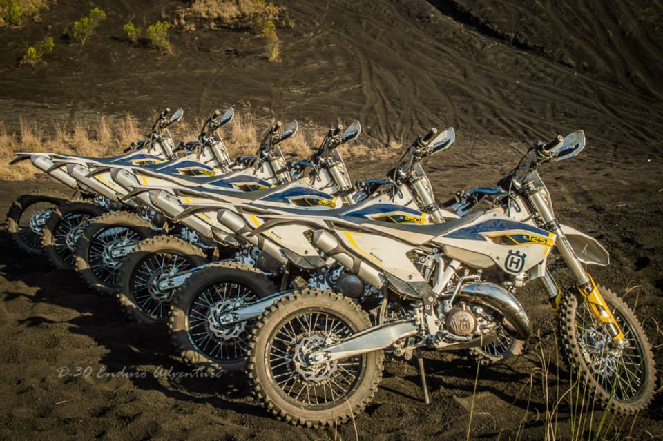 husqvarna solo test ride dirt bikers