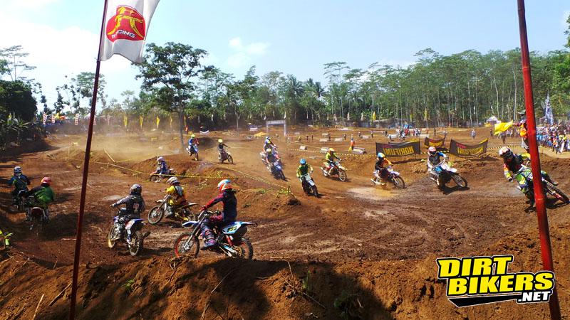 grandfinal kejurnas grasstrack 2014 temanggung - dirt bikers (4)