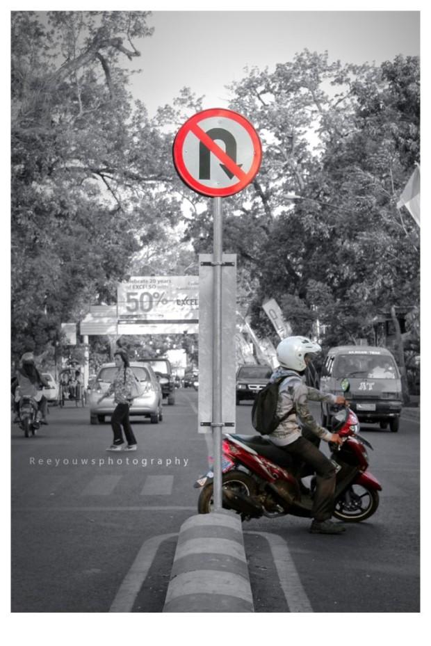 rambu dilarang balik arah
