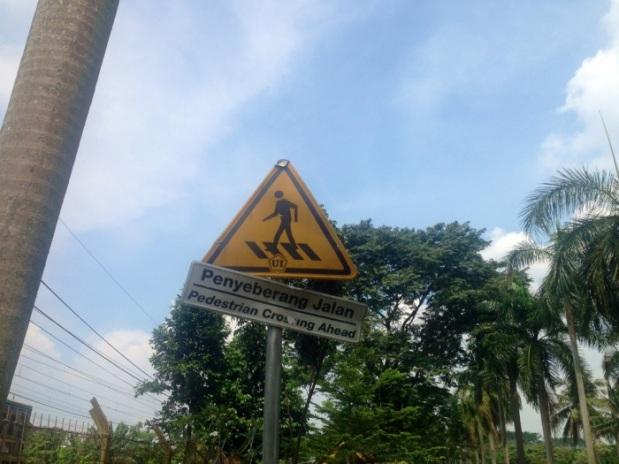 rambu penyebrangan pejalan kaki