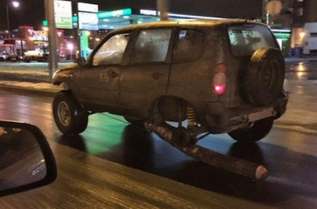 Mobil ber roda kayu